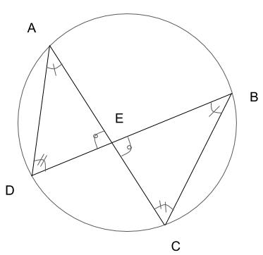 三角形の3つの角がそれぞれ等しいので、この2つの三角形は相似である